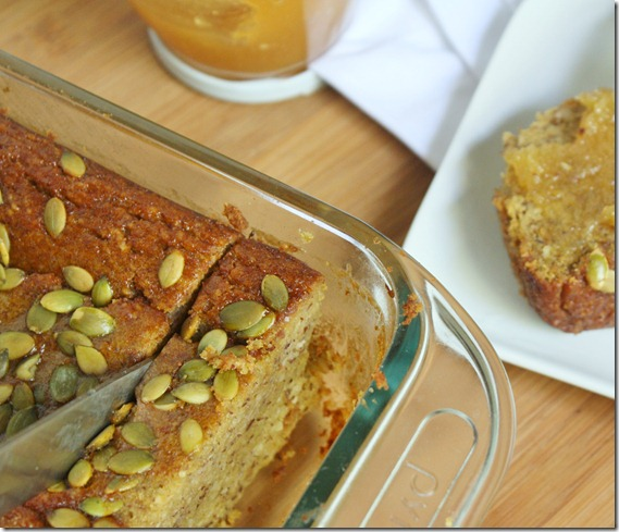 almond-flour-pumpkin-bread-cutting