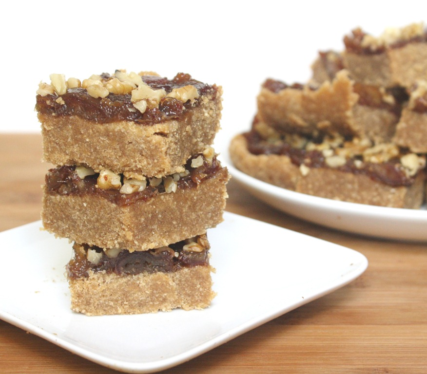 No-Bake Gluten-Free Date Bars | The Wannabe Chef