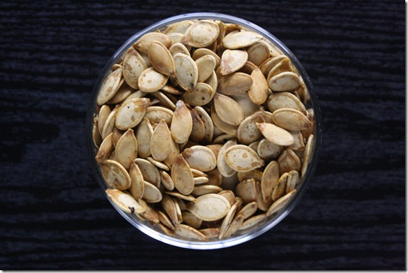 salt-and-pepper-pumpkin-seeds-overhead