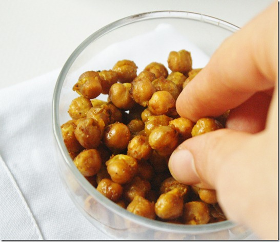 curry-roasted-chickpeas-snack