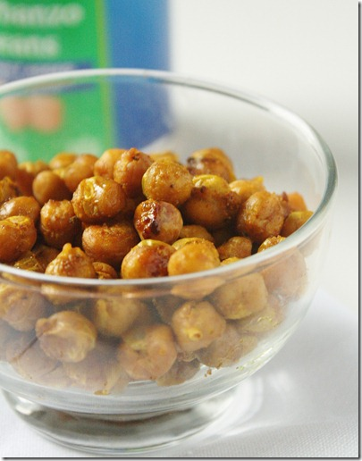 Curry Roasted Chickpeas | The Wannabe Chef