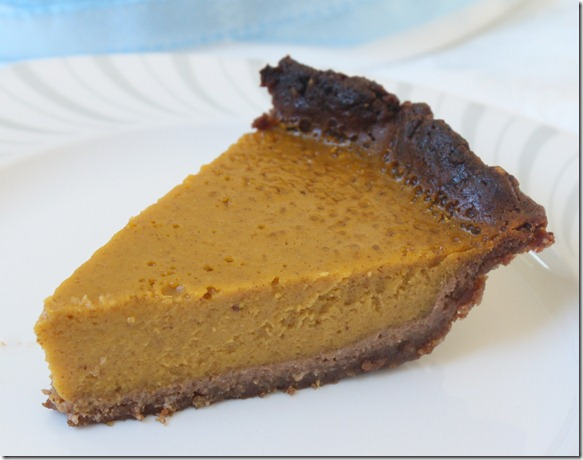 paleo-pumpkin-pie-serving