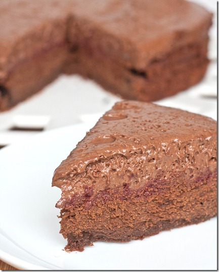 new-years-eve-chocolate-cake-vertical