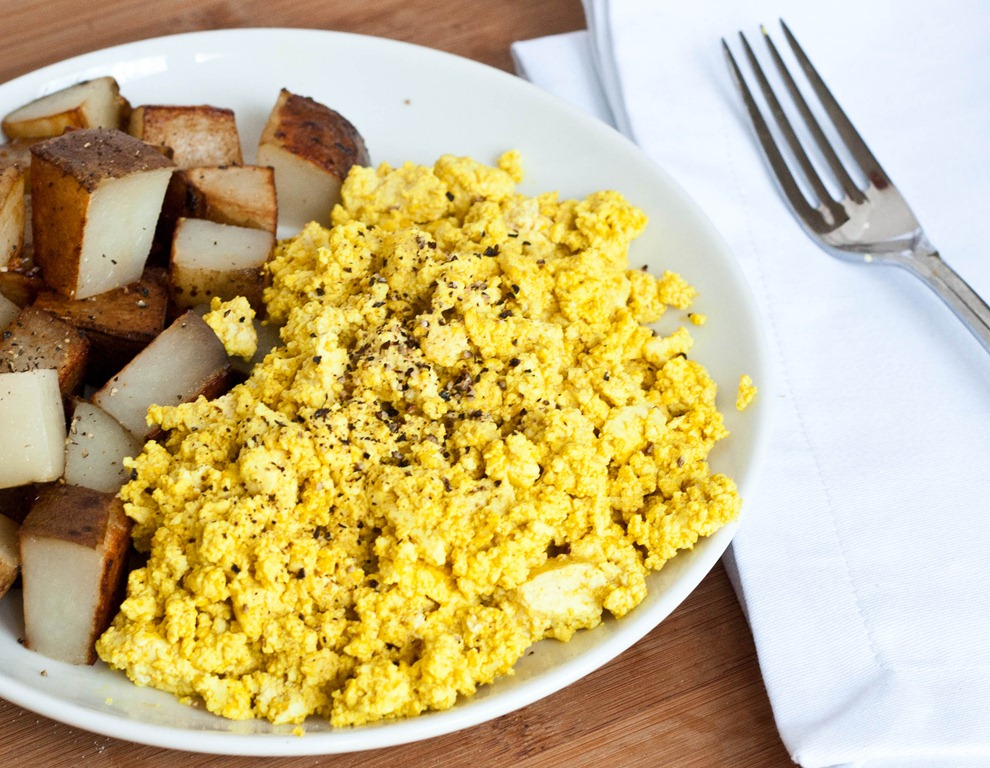tofu scramble with cotija cheese and tortillas video tofu scramble ...