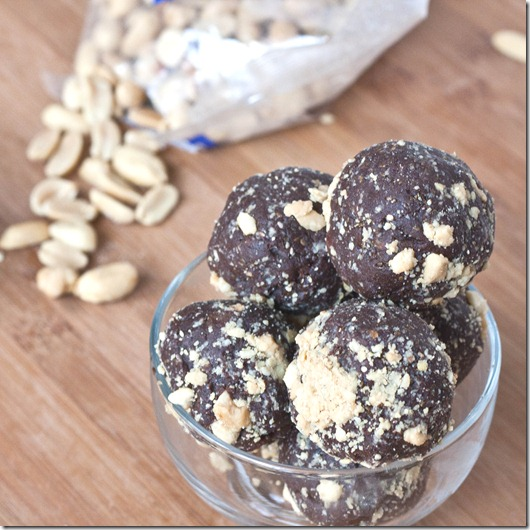chocolate-peanut-butter-snack-balls-peanuts