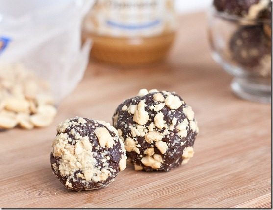chocolate-peanut-butter-snack-balls