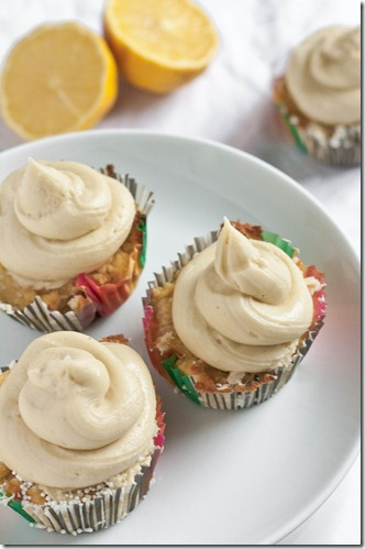 gluten-free-lemon-cupcakes-plated
