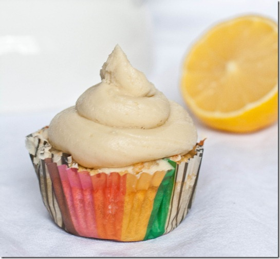 gluten-free-lemon-cupcakes-serving