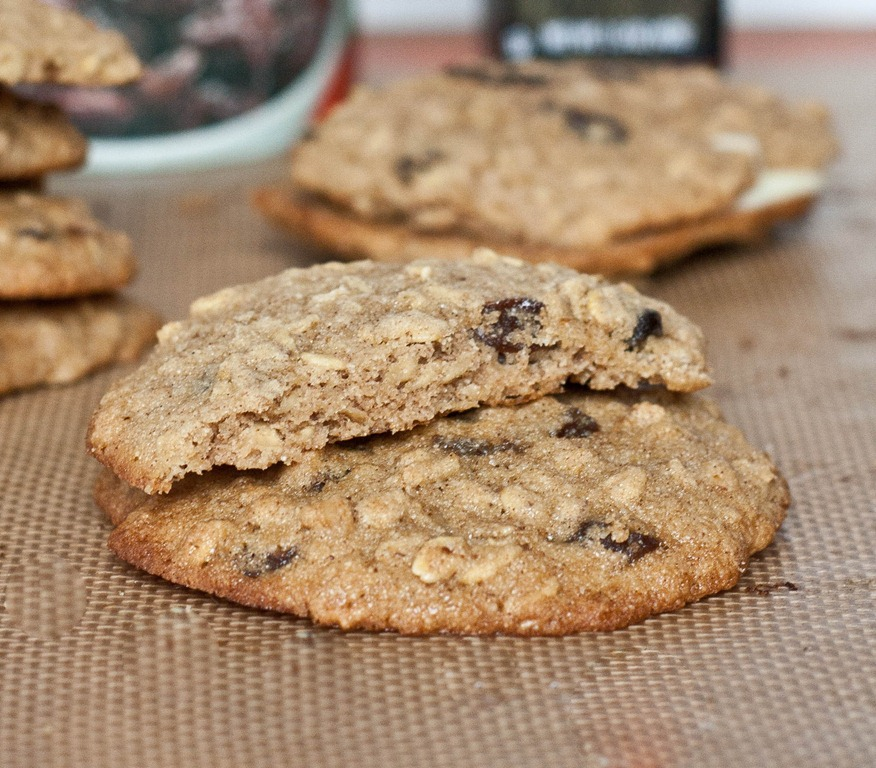 Gluten-Free Oatmeal Raisin Cookies | The Wannabe Chef