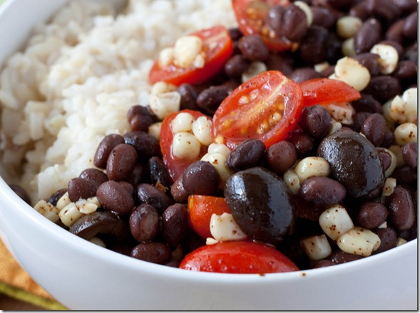 easy-black-bean-salad-tomato