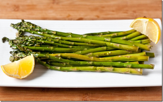 roasted-asparagus-plated