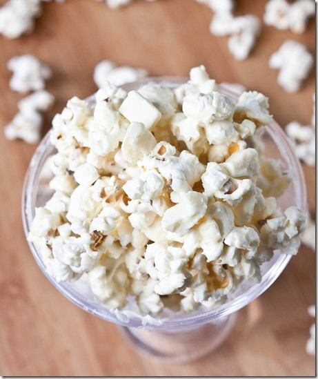 white-chocolate-popcorn-serving
