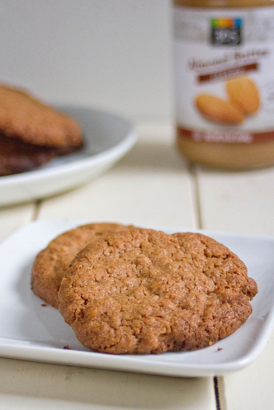 spiced almond butter cookies serving