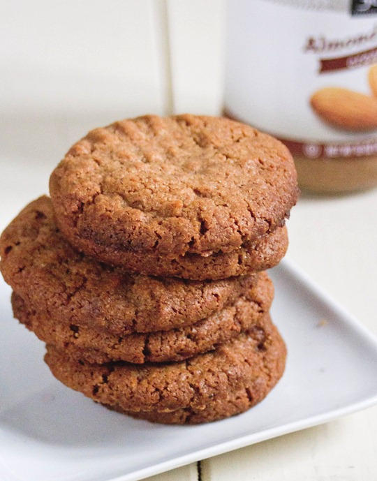 spiced almond butter cookies
